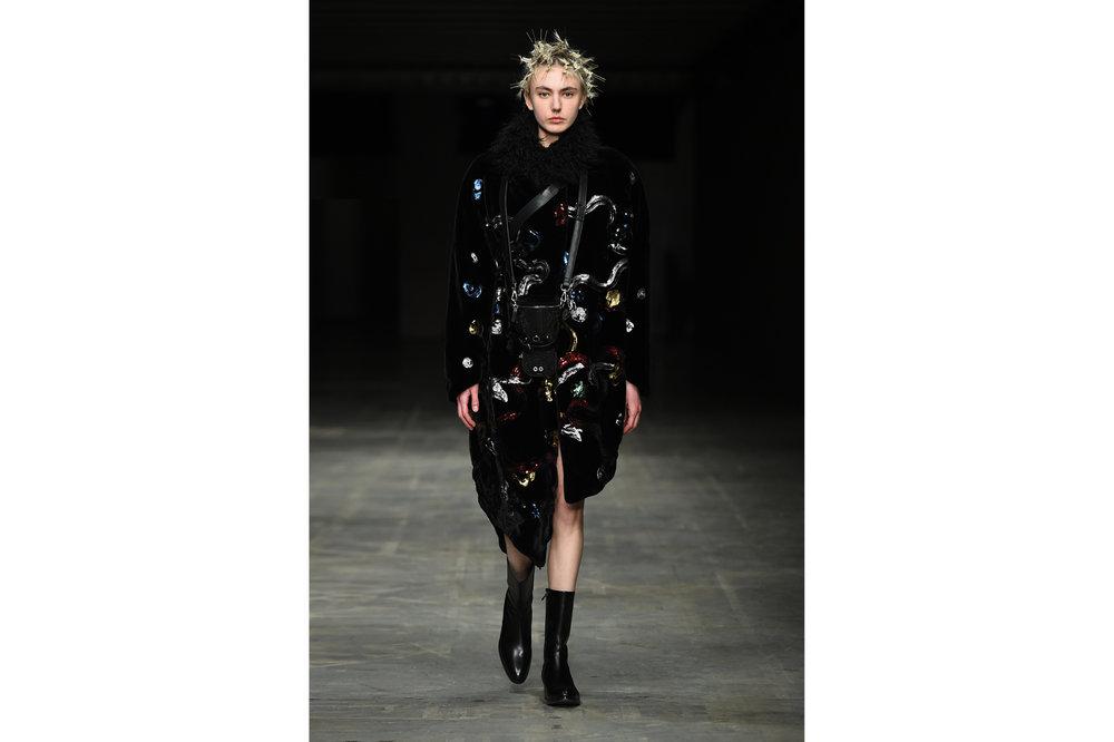 Angel Chen milano fashion show look 20-Edit.jpg