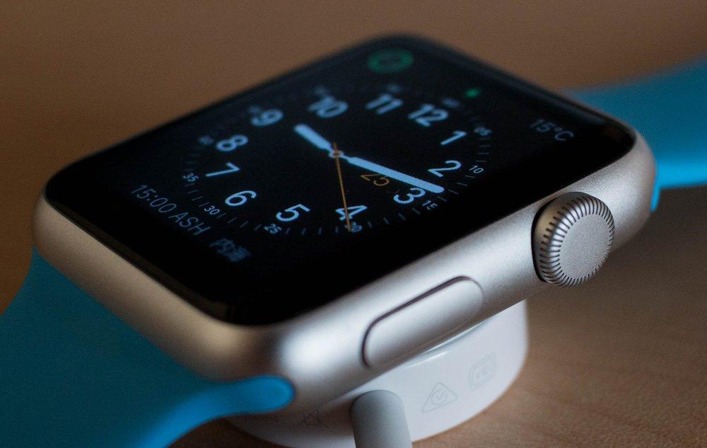 apple-apple-watch-equipment-277406.jpg