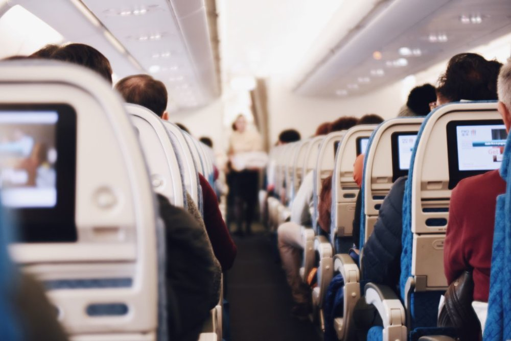 fun-things-to-do-on-a-long-flight-1.jpg