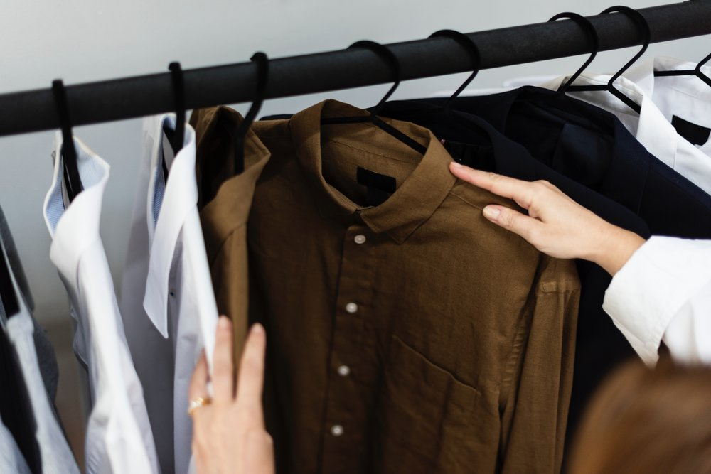 clothes-clothing-hanger-1282316.jpg