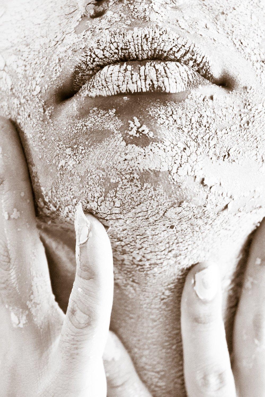 dirty-face-female-682501.jpg