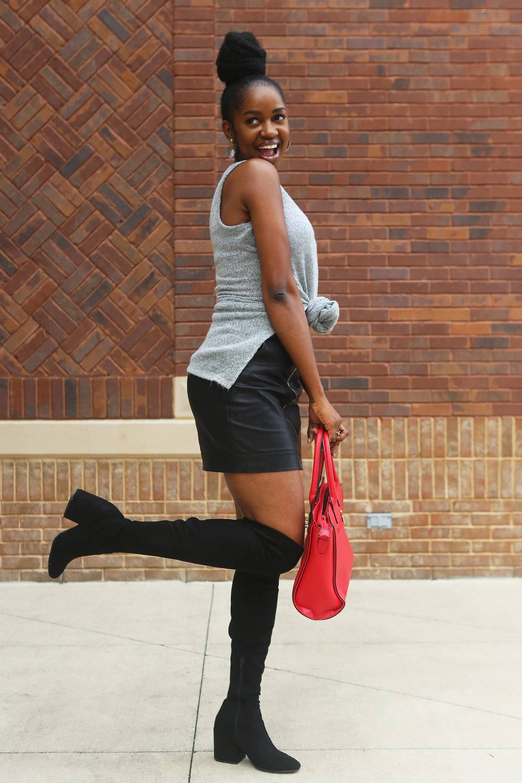 bag-boots-brickwalls-1469582.jpg