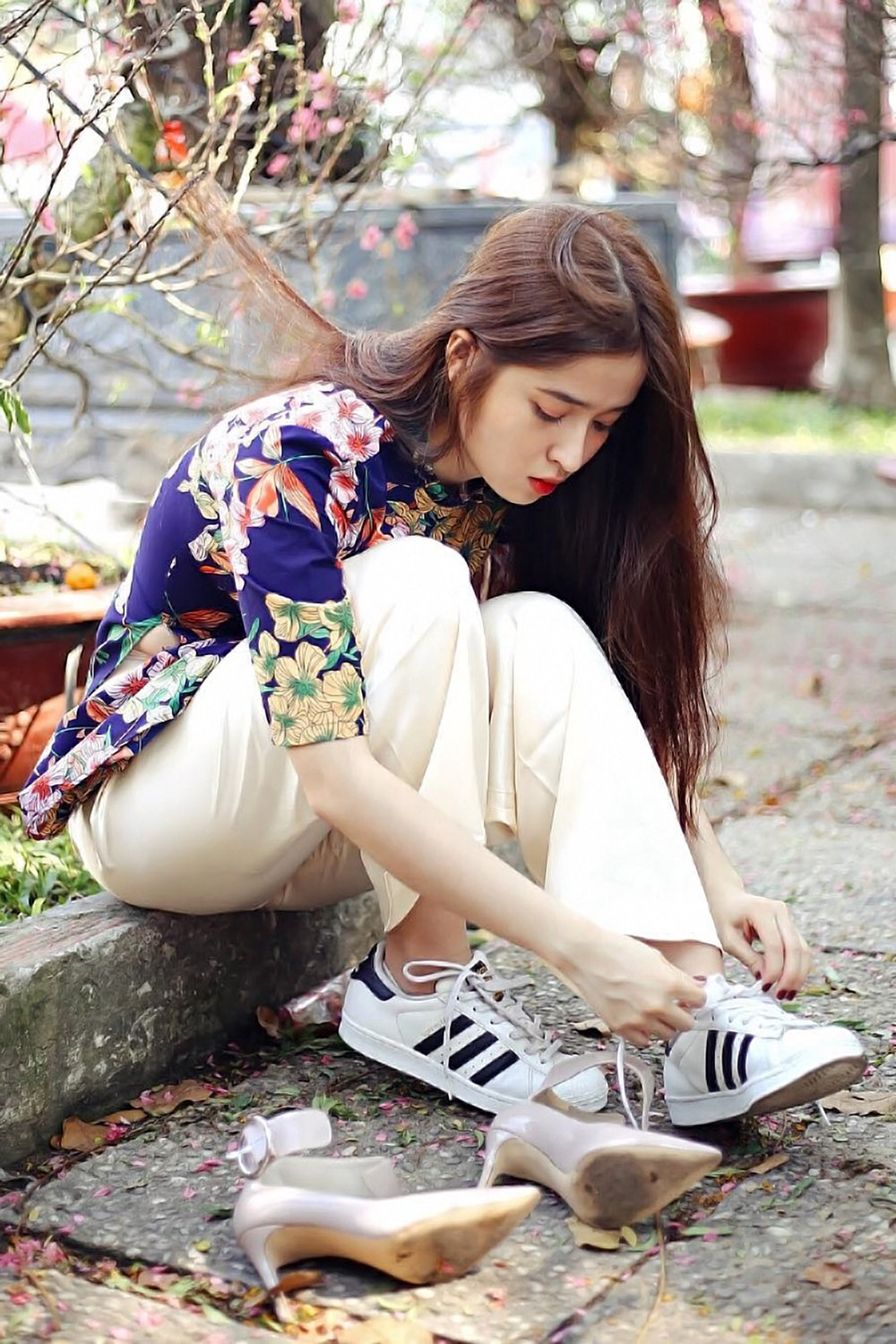 adidas-attractive-beautiful-2090887.jpg