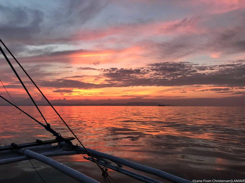 sunrise-manta-bowl-philippines-ticao-lamave-volunteer-research.jpg