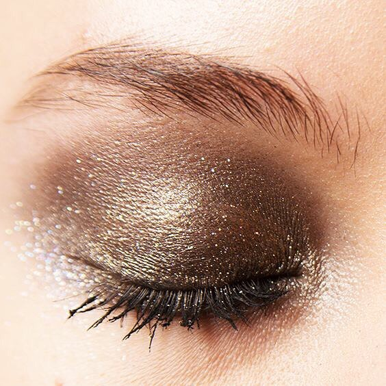 Subtle, Smokey, Golden... Perfect. 😍
