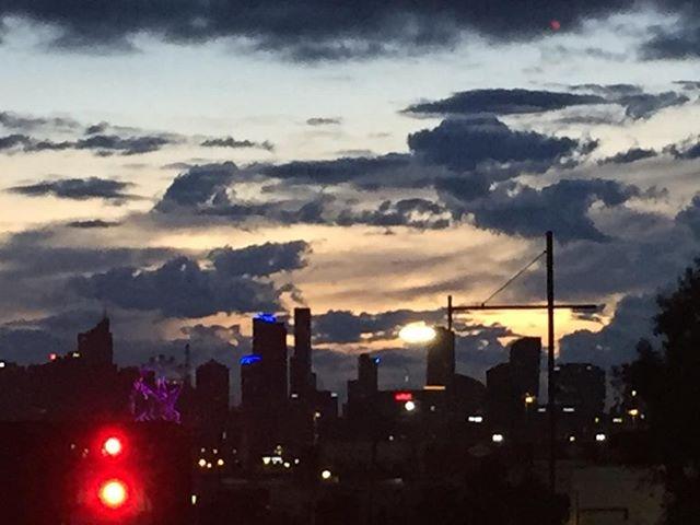Sunrise over Footscray this morning #earlystarts #sunrise