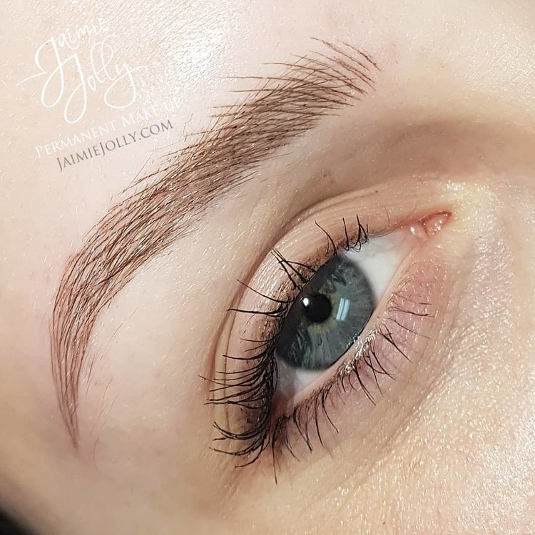 The Brow Guide Whats The Diff Between Microbladed Ombre And