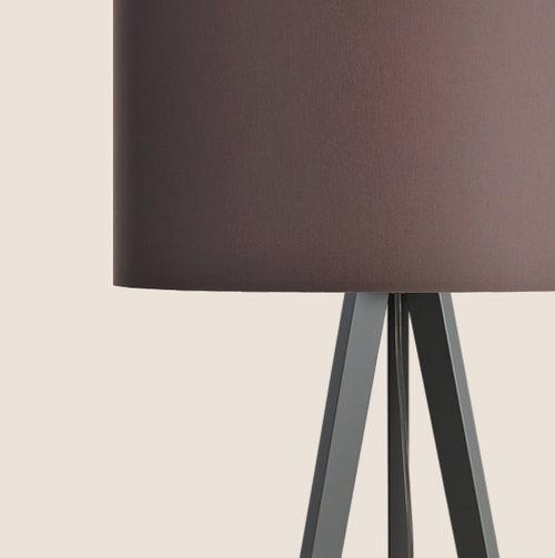 colouredby-stehlampe-onno-tripod-lampenschirm-grau-anthrazit-mocca-braun.jpg