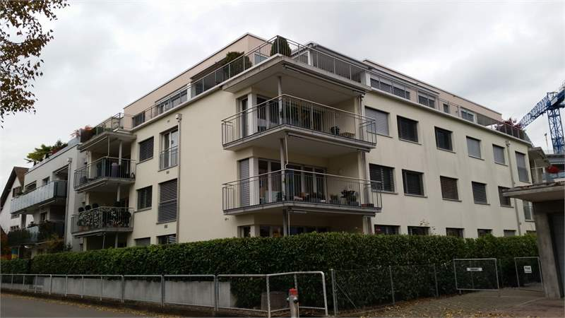 Fluri Immobilien - Mietobjekt 8853 Lachen, Riedweg 1