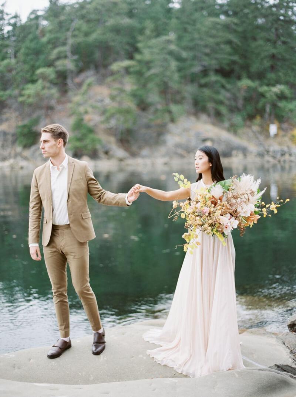 galiano-island-wedding-inspiration-canada-14.jpg