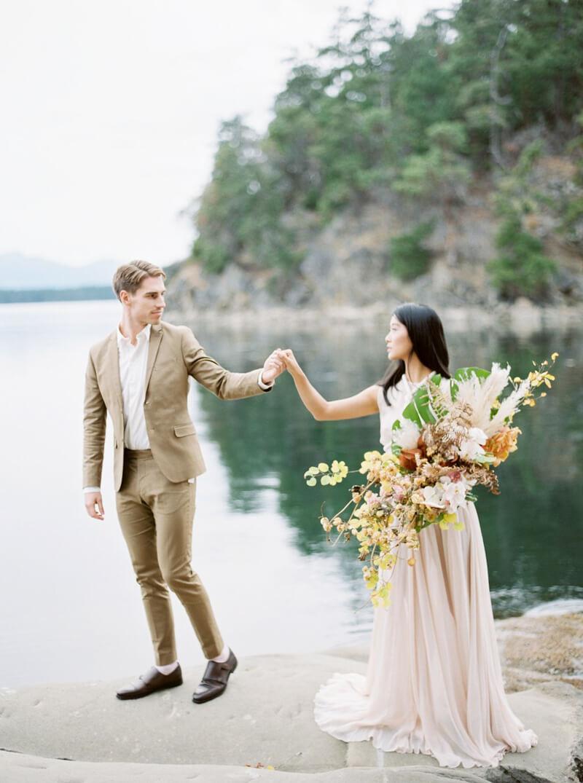 galiano-island-wedding-inspiration-canada-15.jpg