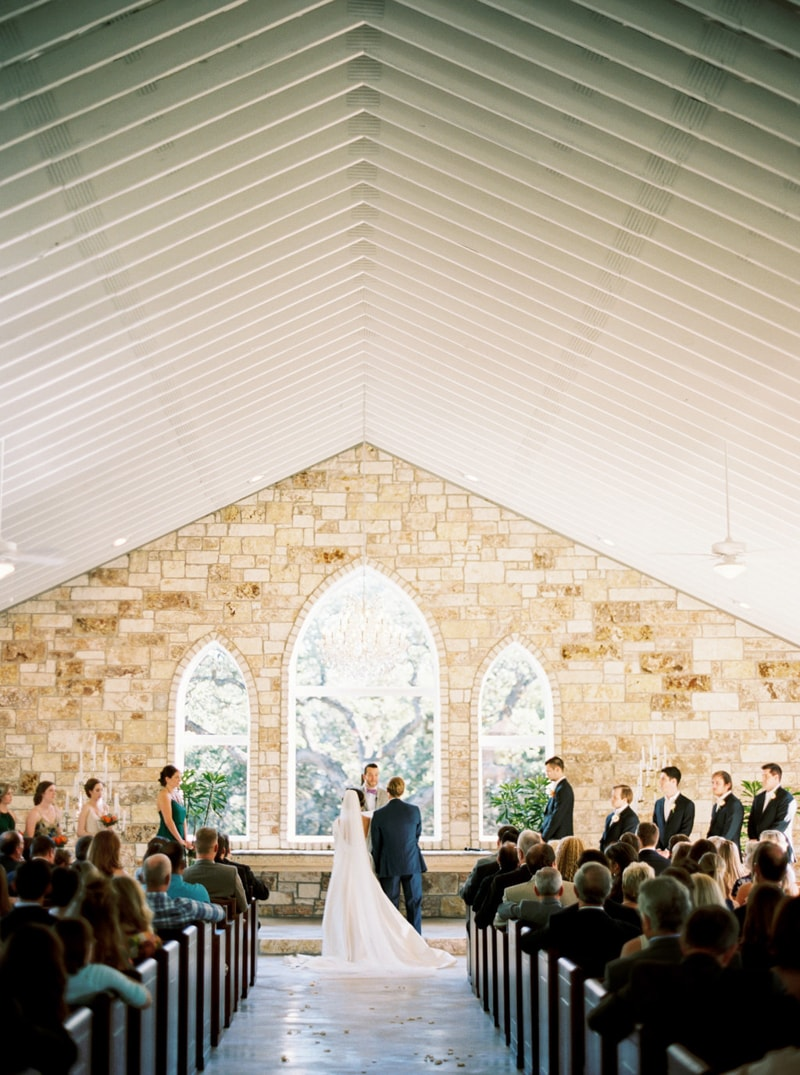 chandelier-of-gruene-venue-new-braunfels-wedding-17-min.jpg
