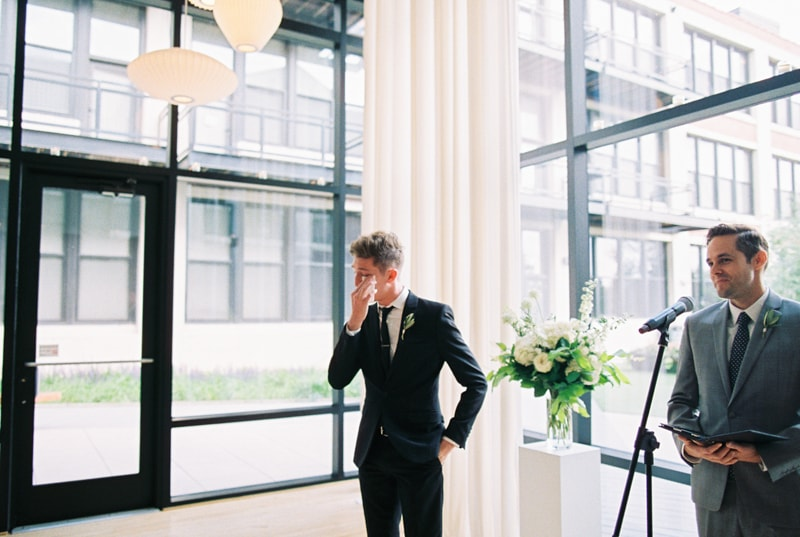 greenhouse-loft-chicago-wedding-photos-16-min.jpg