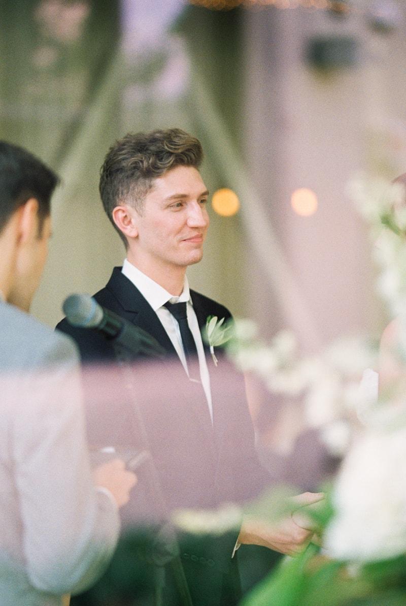 greenhouse-loft-chicago-wedding-photos-18-min.jpg