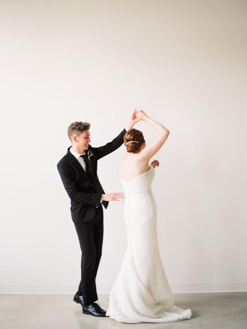 greenhouse-loft-chicago-wedding-photos-8-min.jpg