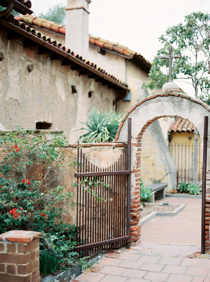 mission-san-juan-capistrano-wedding-inspiration_-26-min.jpg
