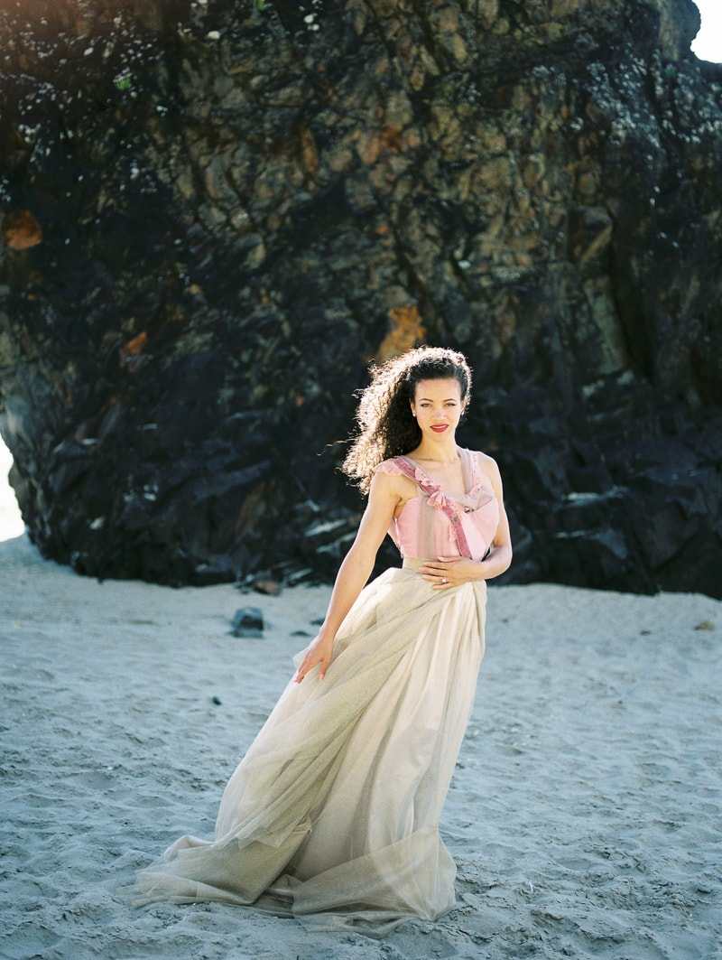oregon-coast-ballerina-wedding-inspiration-12-min.jpg