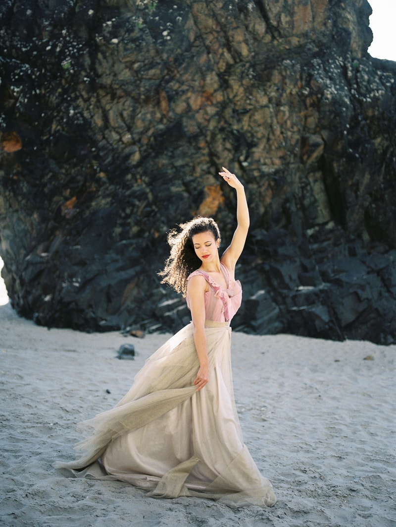 oregon-coast-ballerina-wedding-inspiration-14-min.jpg