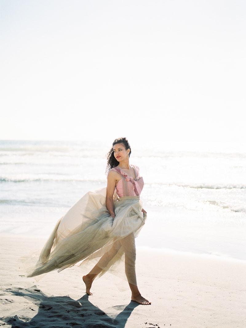 oregon-coast-ballerina-wedding-inspiration-17-min.jpg