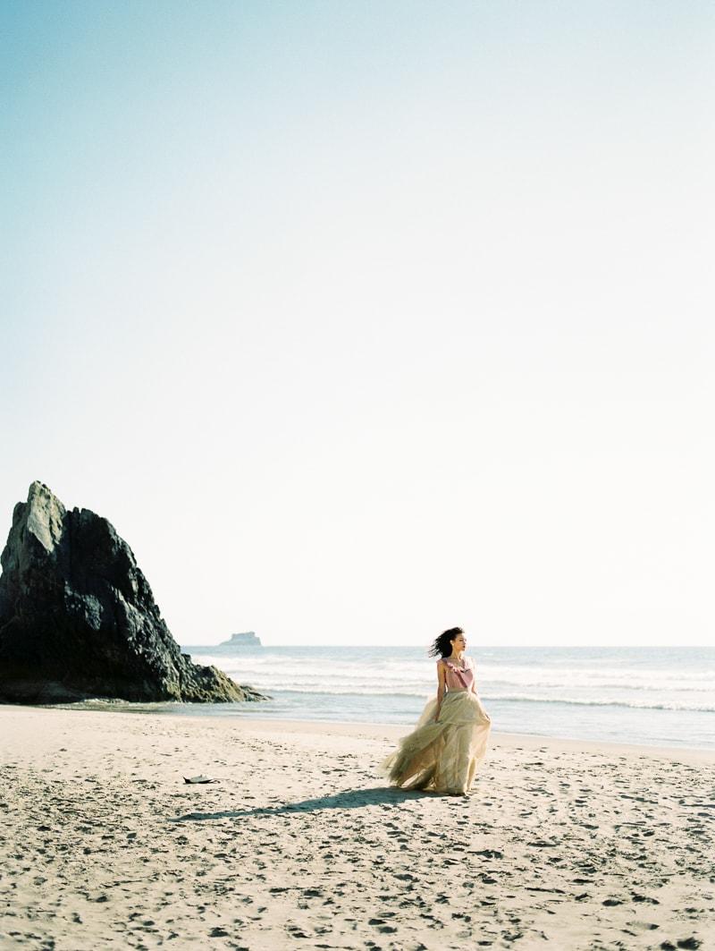 oregon-coast-ballerina-wedding-inspiration-20-min.jpg