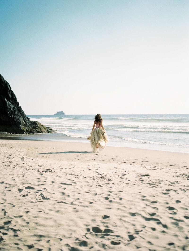 oregon-coast-ballerina-wedding-inspiration-22-min.jpg