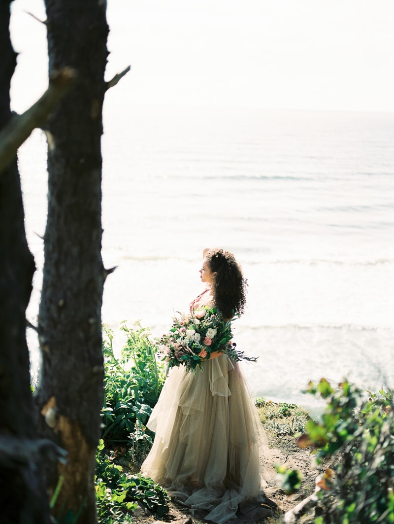 oregon-coast-ballerina-wedding-inspiration-25-min.jpg