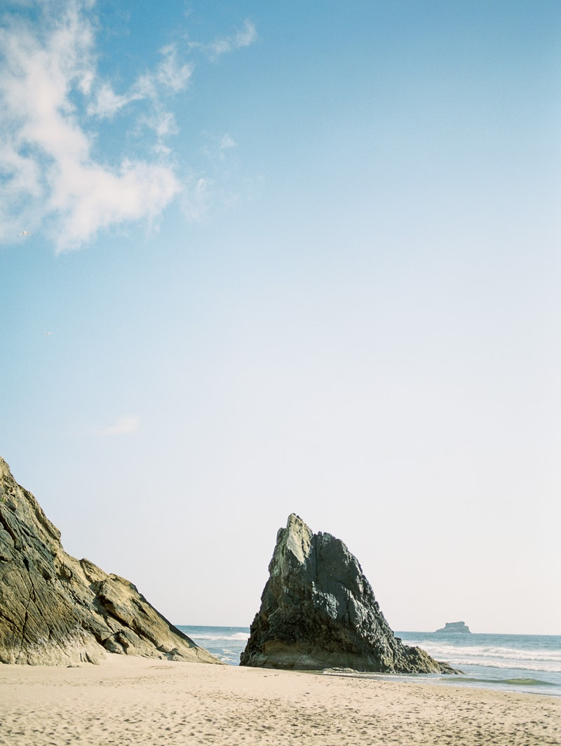 oregon-coast-ballerina-wedding-inspiration-min.jpg