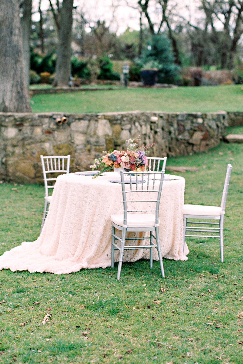 french-country-wedding-inspiration-norman-oklahoma-11.jpg
