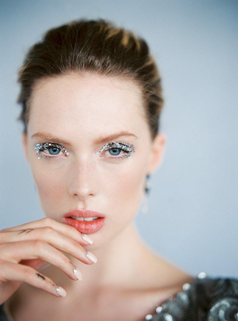 glitter-hair-and-makeup-ideas-bridal-hairstyles-10-min.jpg