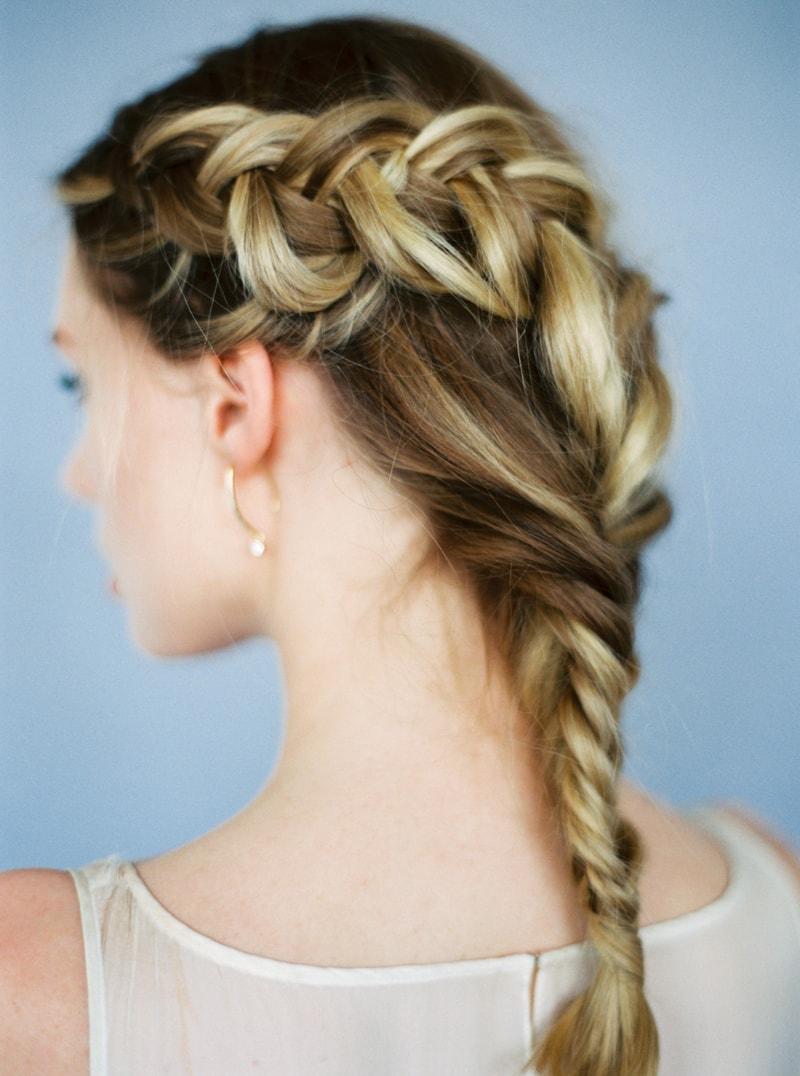 glitter-hair-and-makeup-ideas-bridal-hairstyles-12-min.jpg
