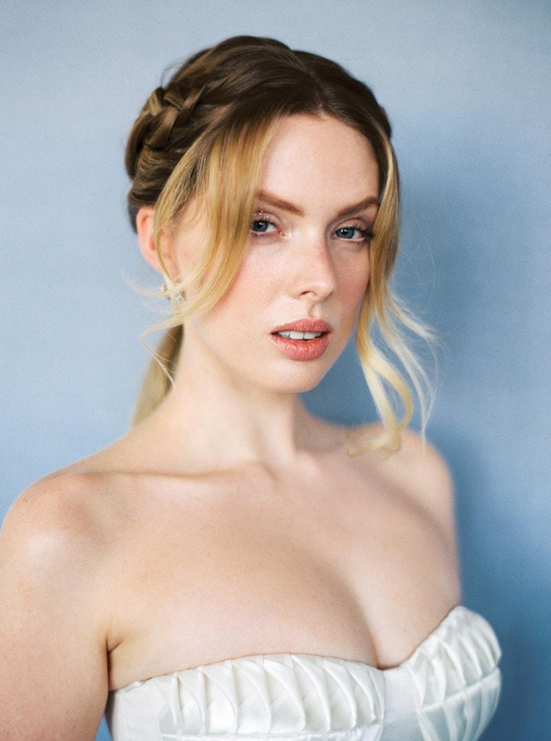 glitter-hair-and-makeup-ideas-bridal-hairstyles-20-min.jpg