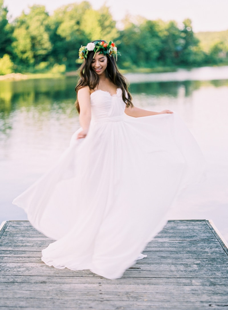 lakeside-wedding-inspiration-fine-art-contax-645-2-min.jpg