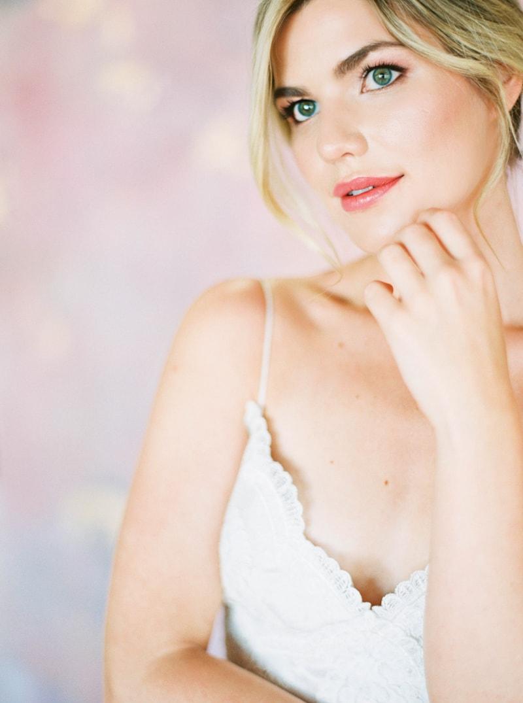 lovely-bride-wedding-dresses-fine-art-contax-645-12-min.jpg