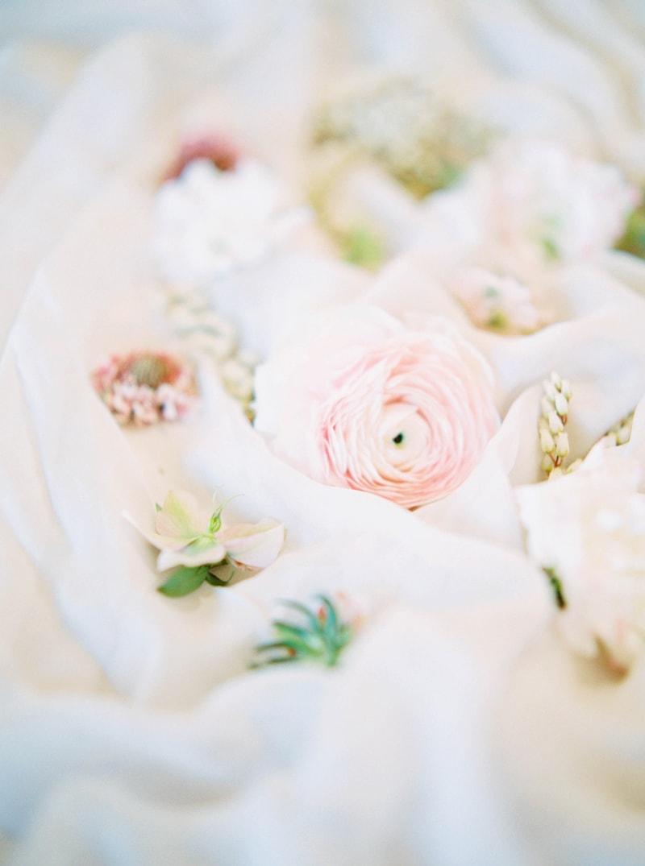 lovely-bride-wedding-dresses-fine-art-contax-645-17-min.jpg