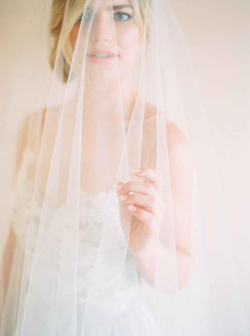 lovely-bride-wedding-dresses-fine-art-contax-645-2-min.jpg