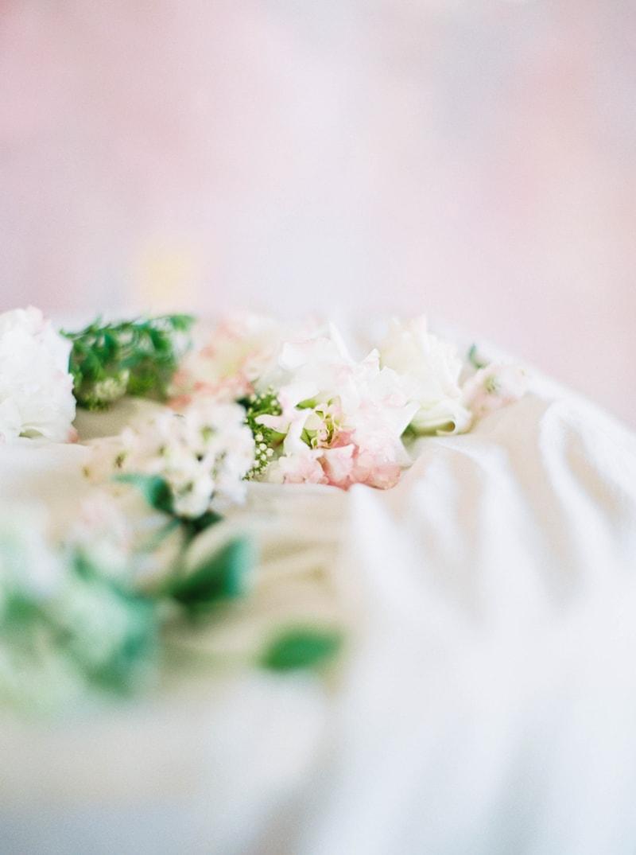 lovely-bride-wedding-dresses-fine-art-contax-645-20-min.jpg