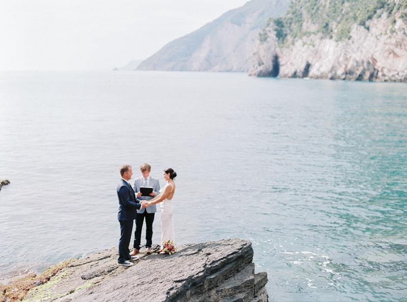 portovenere-italy-wedding-photos-destination-blog-26-min.jpg