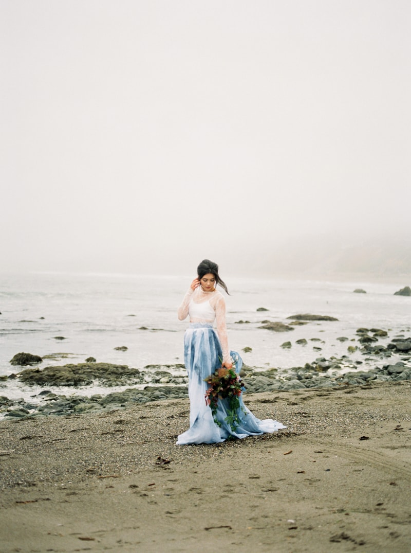 watercolor-wedding-inspiration-oregon-beach-12-min.jpg