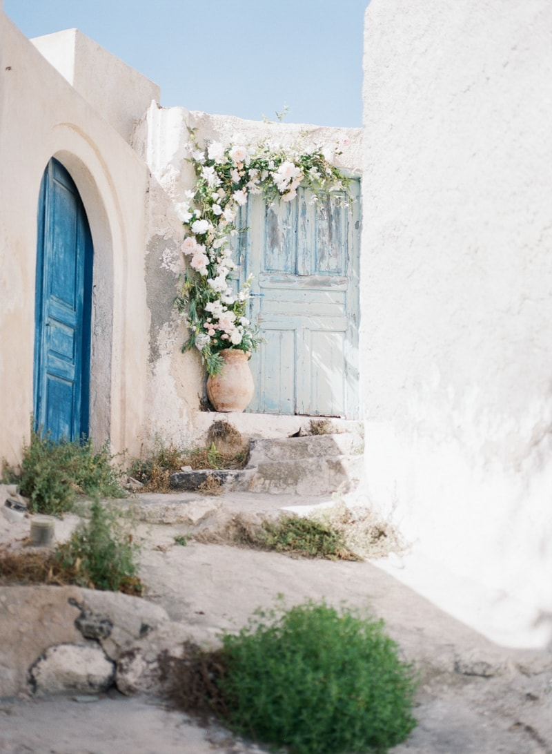 santorini-village-bohemian-wedding-inspiration-2-min.jpg