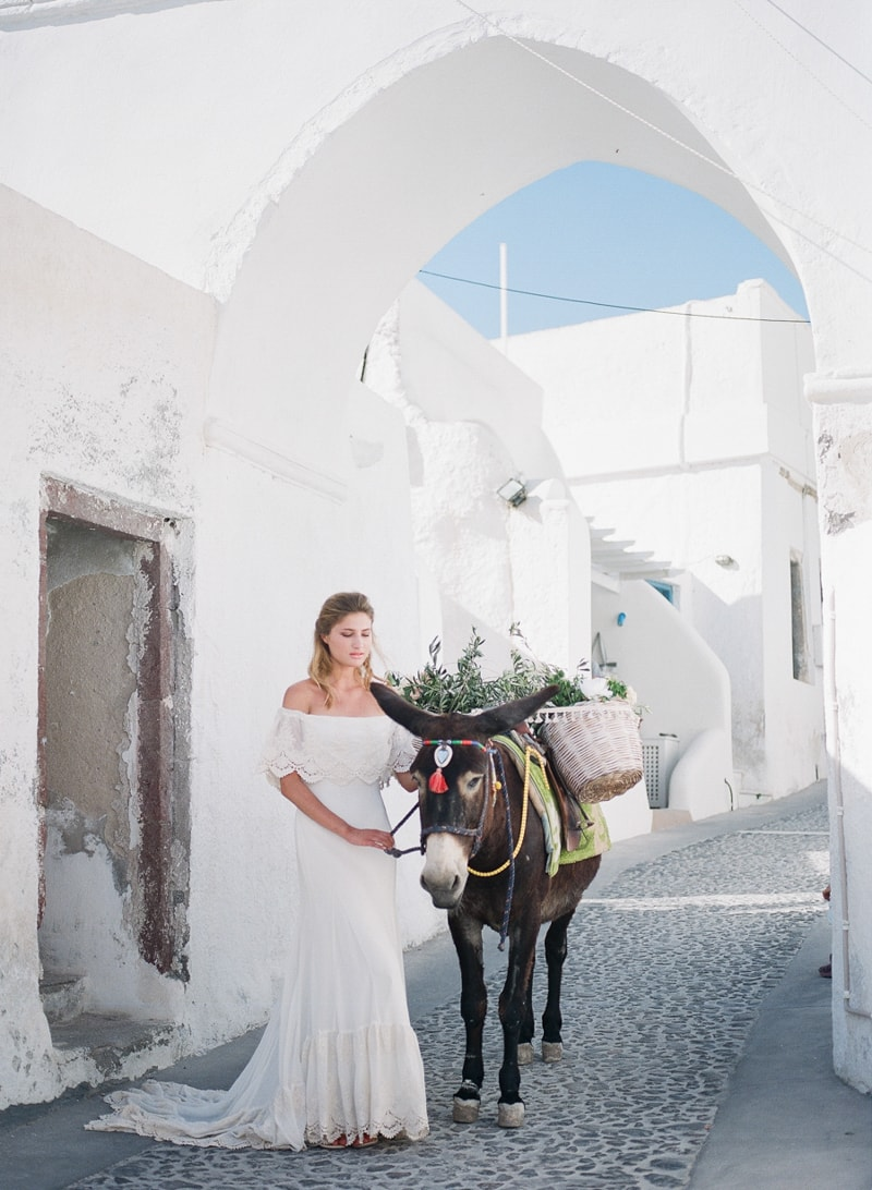 santorini-village-bohemian-wedding-inspiration-24-min.jpg