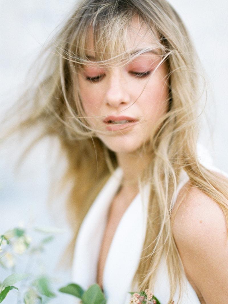 Minimal-Hair-Wedding-Inspiration-Fine-Art-Weddings-11-min.jpg