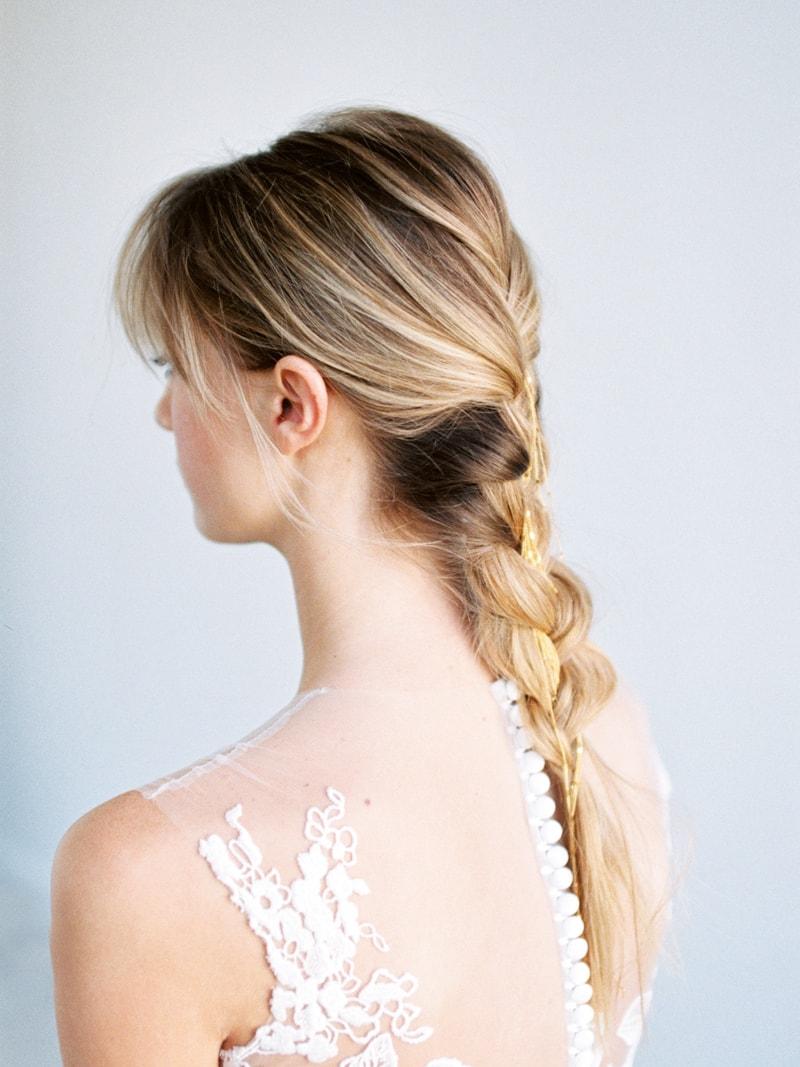 Minimal-Hair-Wedding-Inspiration-Fine-Art-Weddings-12-min.jpg