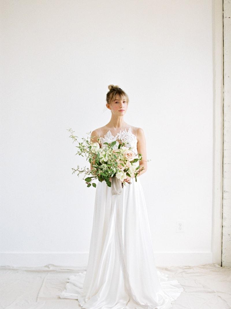 Minimal-Hair-Wedding-Inspiration-Fine-Art-Weddings-15-min.jpg