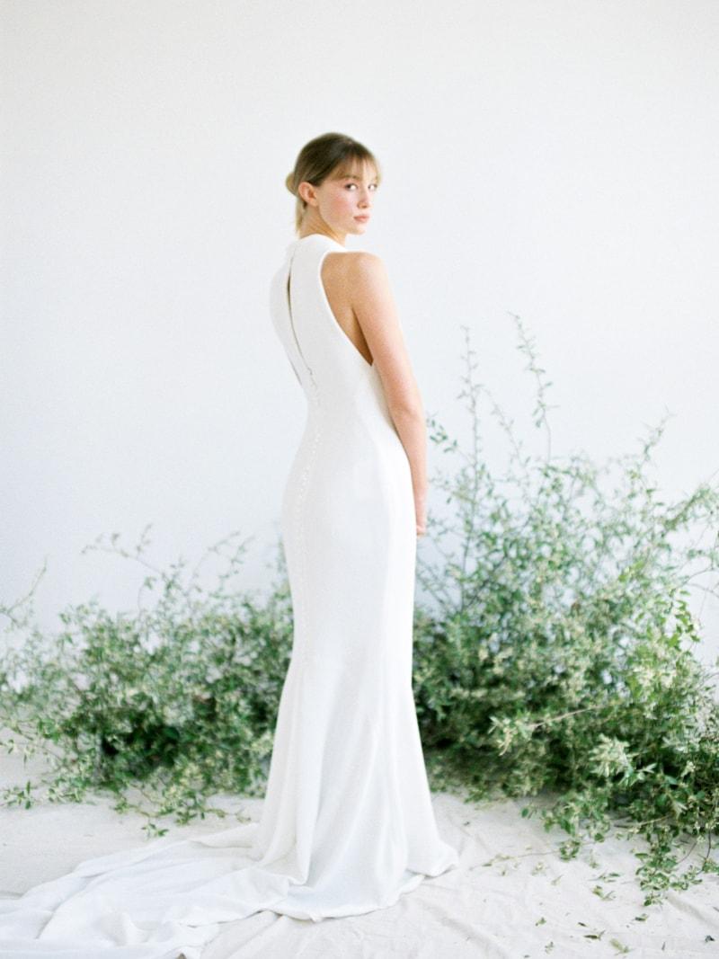 Minimal-Hair-Wedding-Inspiration-Fine-Art-Weddings-17-min.jpg