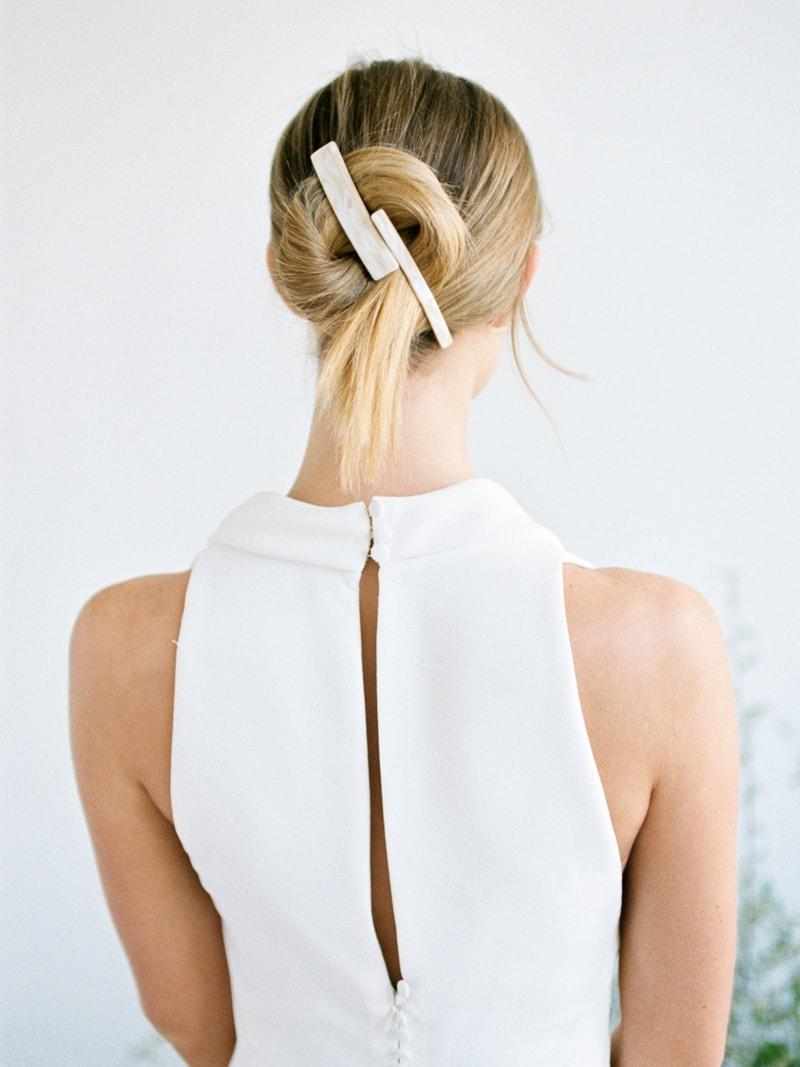 Minimal-Hair-Wedding-Inspiration-Fine-Art-Weddings-18-min.jpg