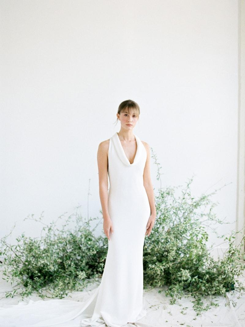 Minimal-Hair-Wedding-Inspiration-Fine-Art-Weddings-19-min.jpg