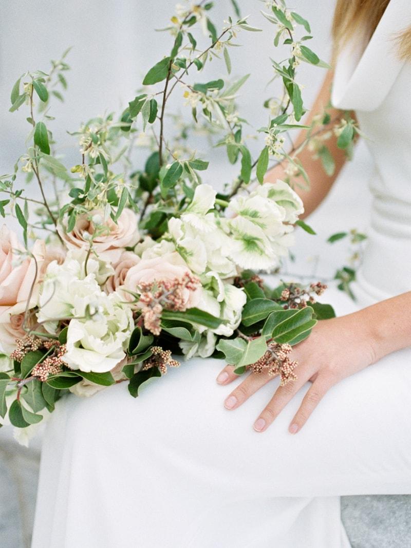 Minimal-Hair-Wedding-Inspiration-Fine-Art-Weddings-5-min.jpg