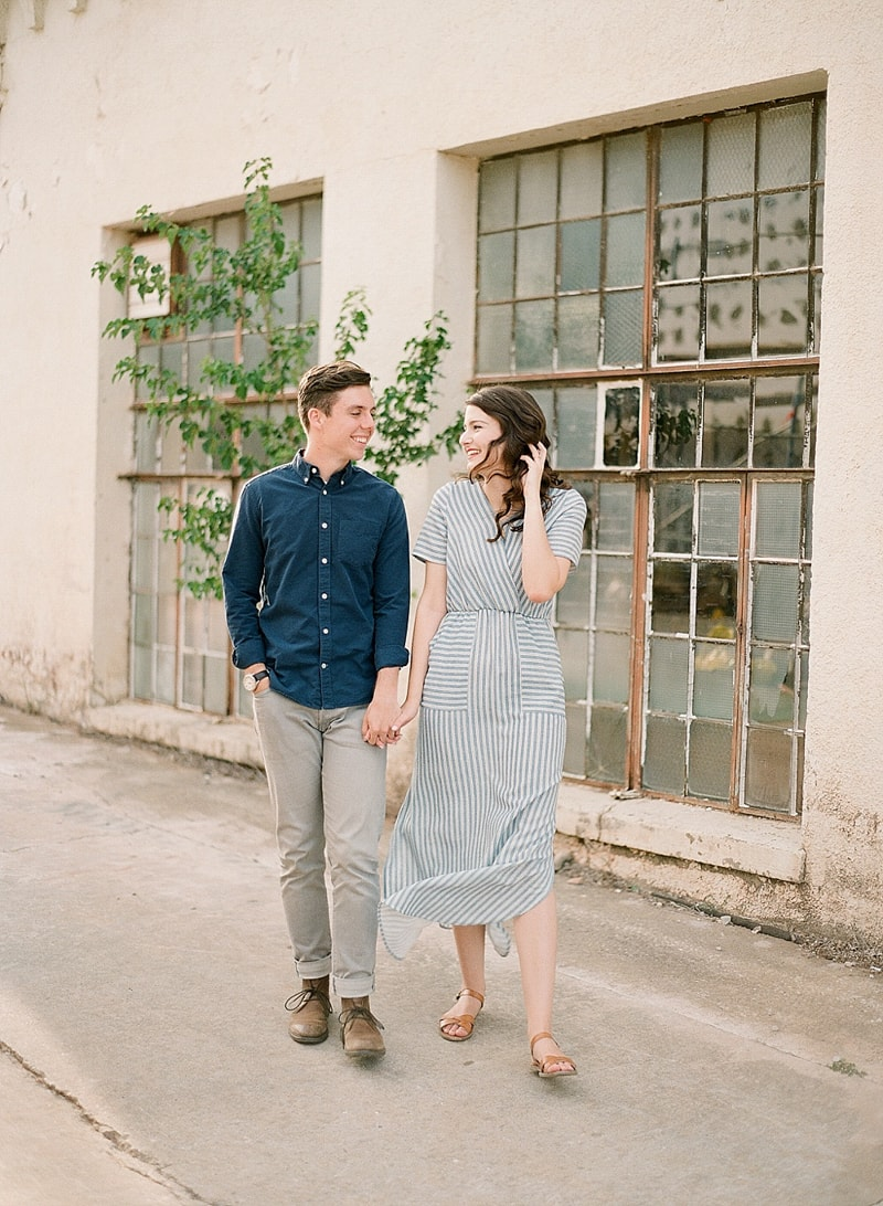 paseo-arts-district-oklahoma-city-engagement-photos-10-min.jpg