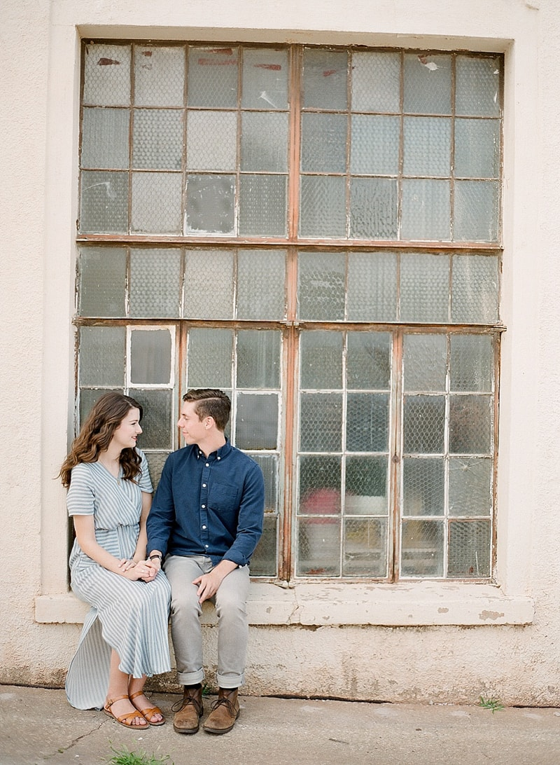 paseo-arts-district-oklahoma-city-engagement-photos-8-min.jpg