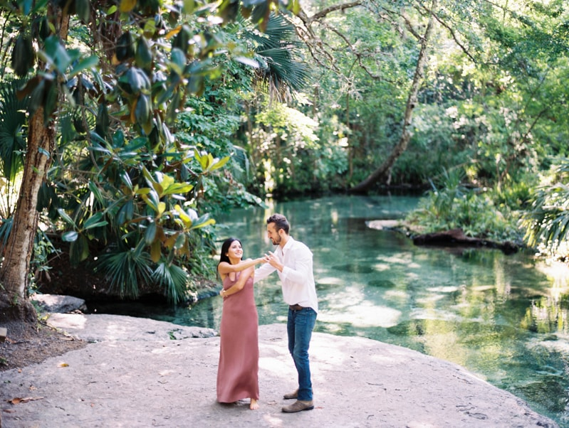 rock-springs-state-park-fl-engagement-photos_-7-min.jpg